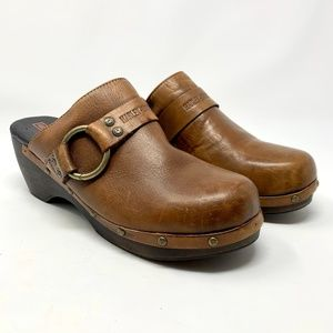Harley-Davidson Brown Leather Wood Buckle Clogs